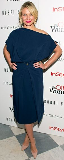 Cameron Diaz wears a navy draped tunic dress by Vionnet to an NYC screening of 'The Other Woman'