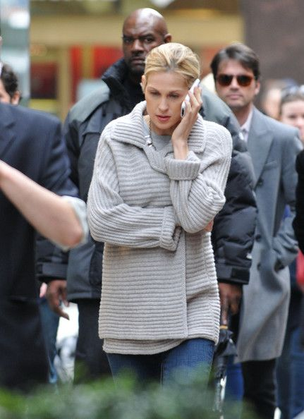 Kelly Rutherford Photo - 'Gossip Girl' Films in Grand Central Station 3