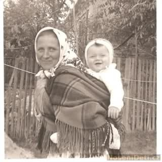 Babywearing through the Ages - Slovakia
