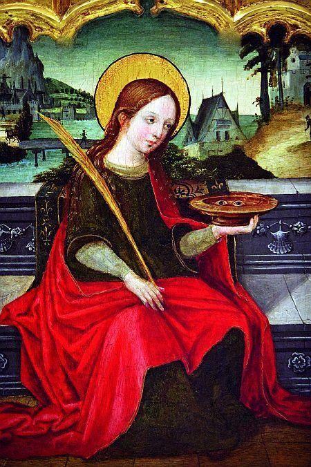 Santa Luzia, não querendo abandonar a fé verdadeira, nem macular sua virgindade,enfrentou seus perseguidores, para assim testemunhar co...