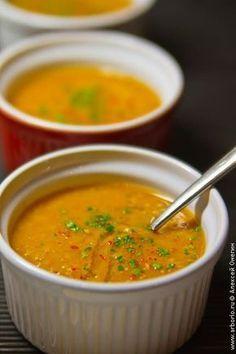 Варить суп из чечевицы - сплошное удовольствие: замачивать ее не нужно, разваривается споро, вкус превосходный, белок - аж 26%. Попробуйте!