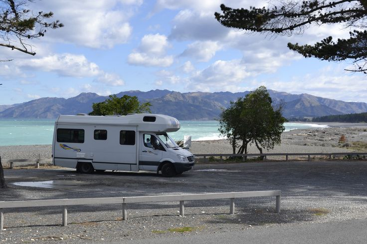 Don't schedule your travels too tightly. New Zealand is full of beautiful resting areas to take a break. We recommend you to stay independent and see what you will find on the road.