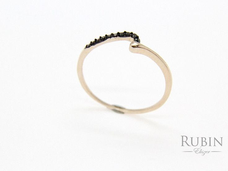 Fekete cirkónia köves rosé színű ezüst gyűrű
