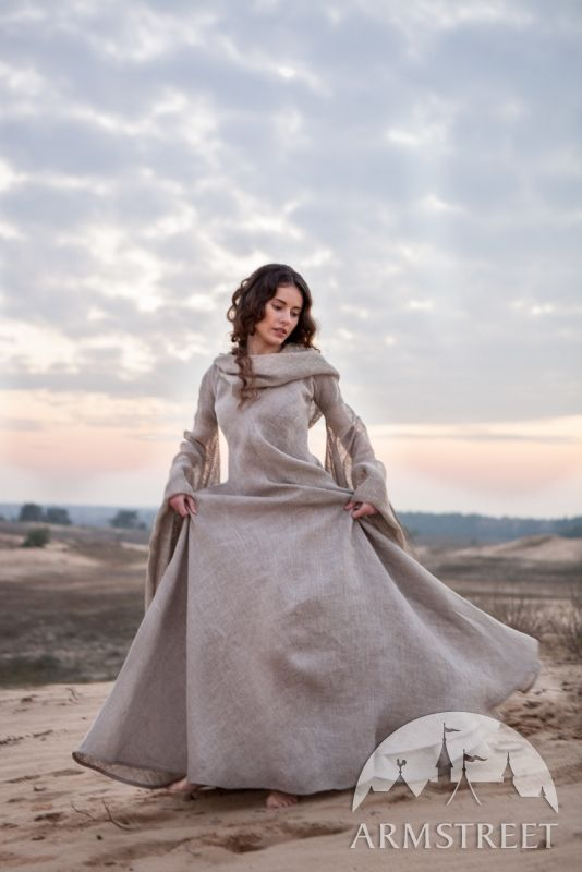 "Medieval linen ""Wanderer"" dress robe - front view. Available on Armstreet for about 230$. I am so in love with it..."