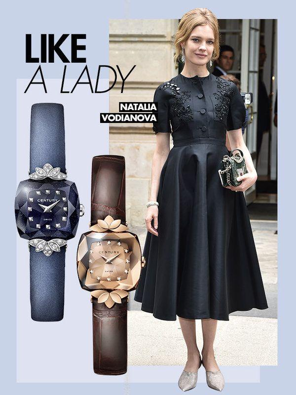 クラシカルなブラックドレス姿が50年代女優風のナタリア・ヴォディアノヴァ。マーキースモチーフを重ねたジュエリーようなラグのデザインが際立つミニウォッチで、淑女スタイルを格上げ! 幾千ものミステリアスな...