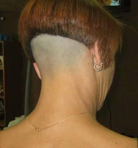 Fétiche rasage des cheveux