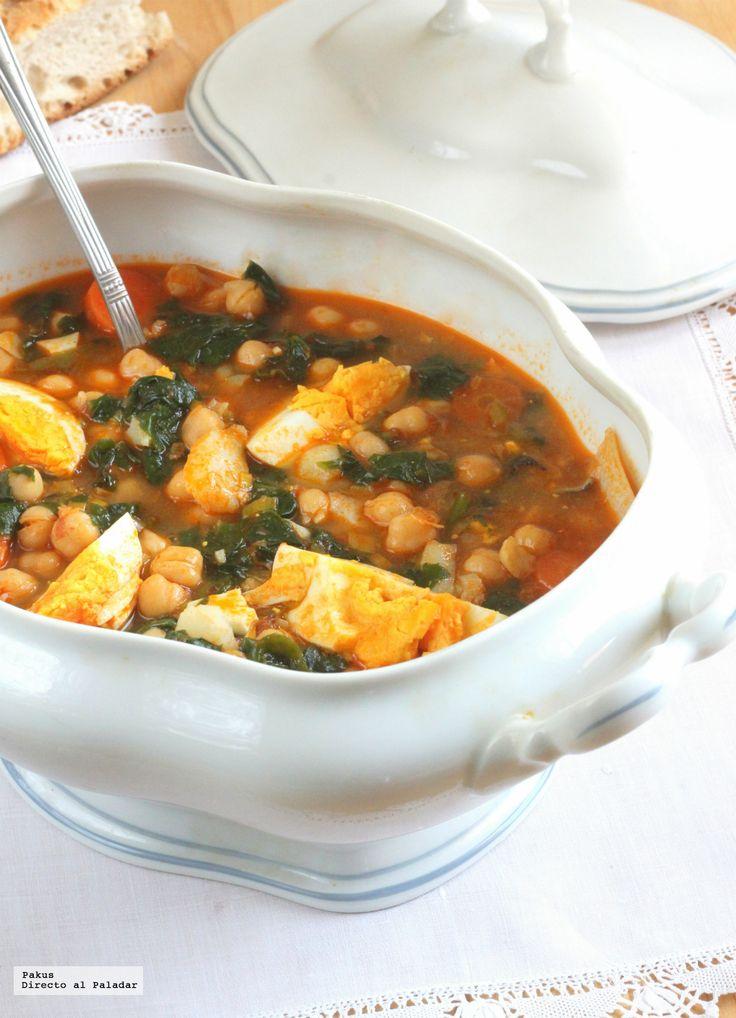 Te enseñamos a preparar de manera sencilla la receta de Potaje de vigilia. Receta tradicional de Cuaresma y Semana Santa con ingredientes, tiempo de elaborac...