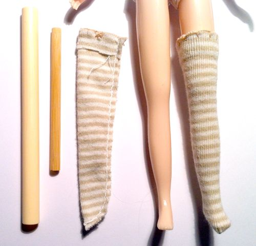 Doll Project - Doll Project News - How to put Long Stockings on a BlytheDoll