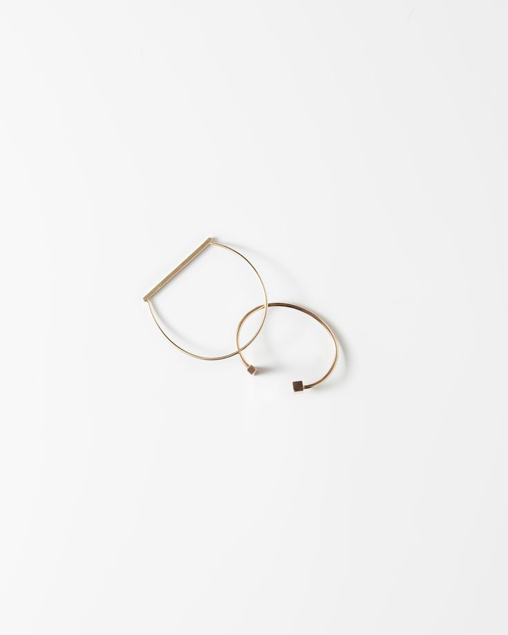 Elegant and simple jewellery always makes a statement