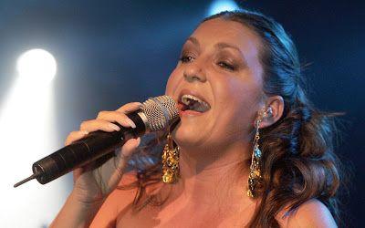 cotibluemos: Niña Pastori Latin Grammys 2016 Mejor Álbum Flamen...