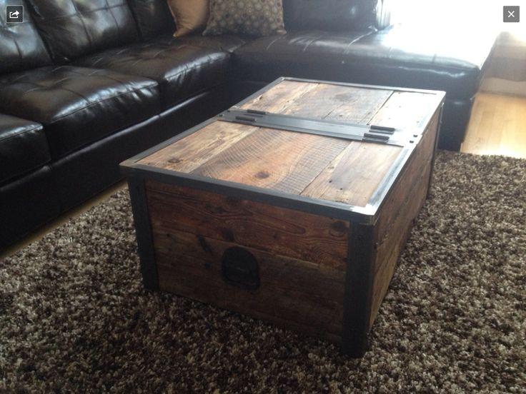 Table à café et coffre en bois de grange recyclé. Fait à la main