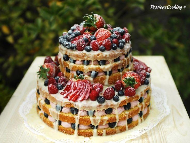 Naked cake con crema al mascarpone e lamponi
