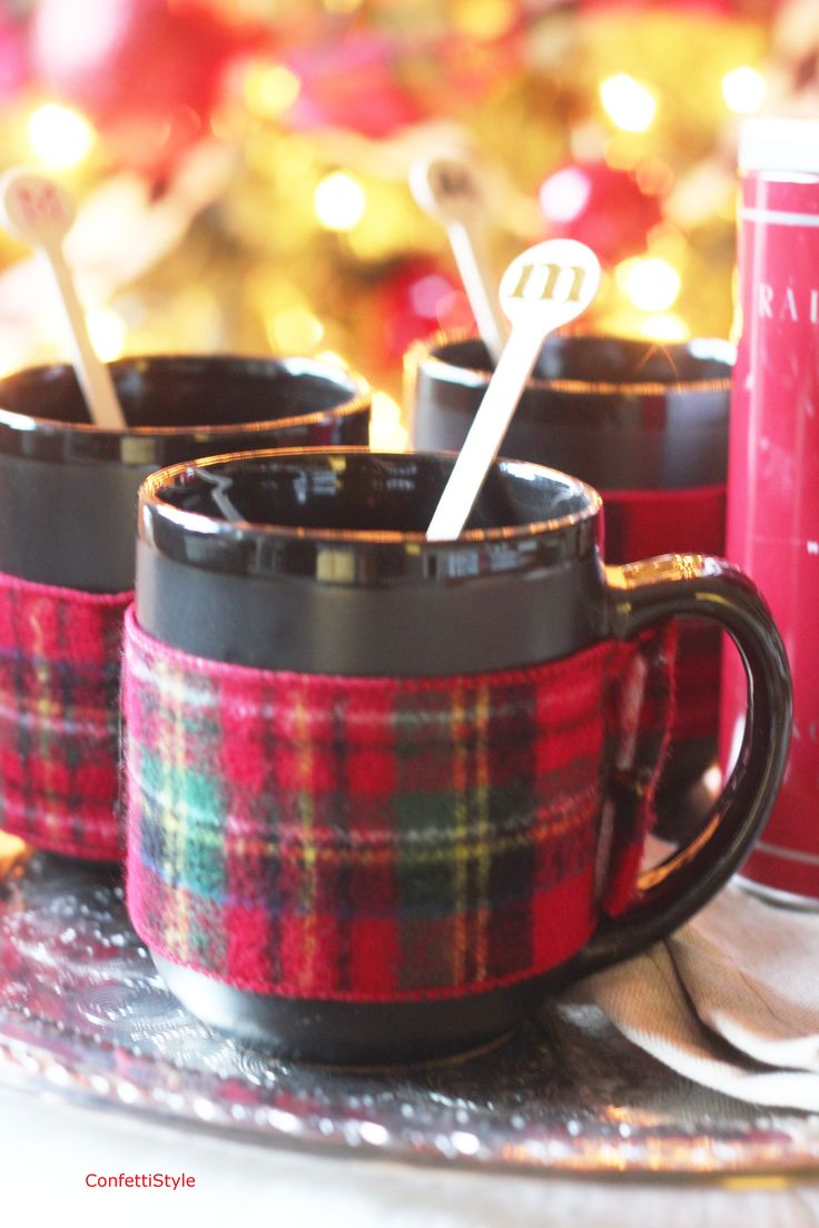 Easy plaid mug wraps! DIY Mug Wrap by ConfettiStyle4