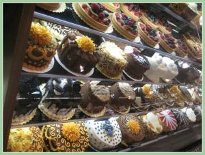 Best 25+ Whole foods bakery cakes ideas on Pinterest   Strawberry ...