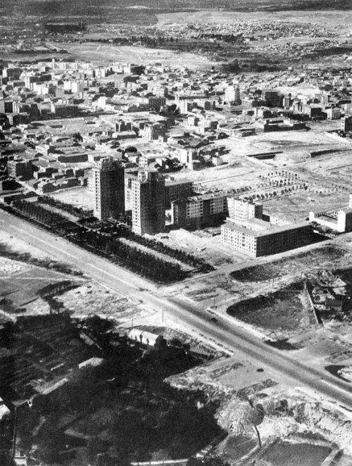 CUATRO CAMINOS 1945