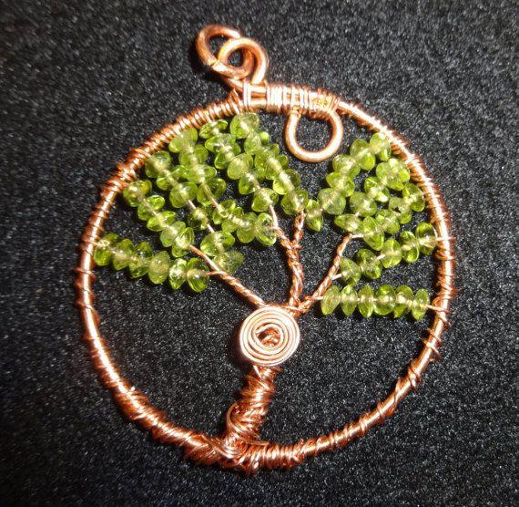 Summer Peridot pendant - https://www.etsy.com/fr/listing/231608044/summer-peridot-tree-of-life