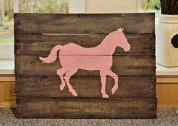 Do you love horses? Here are a collection of 40 DIY horse craft ideas that you c...