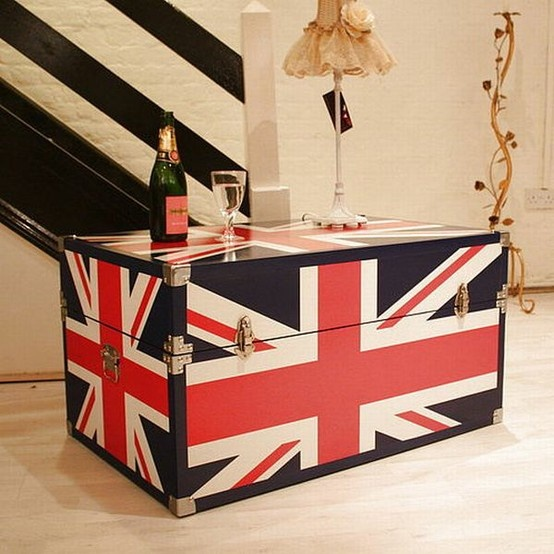 Union Jack Steamer Trunk; you know you're an American when you want everything you own to bear the Union Jack