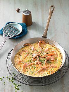 Omelett mit geräuchertem Lachs, ein tolles Rezept aus der Kategorie Eier. Bewertungen: 89. Durchschnitt: Ø 4,2.