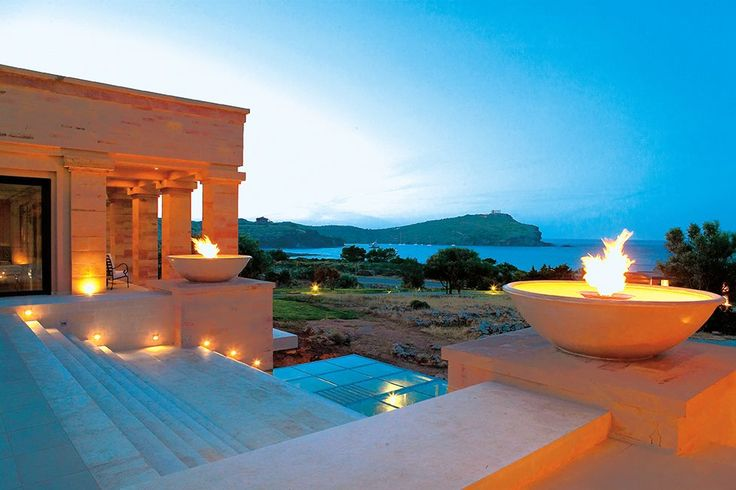 Gorgeous Temple of Poseidon. Amazing view beside the water & fire fountains.  #capesounio #hotels #luxuryhotel #5starhotel