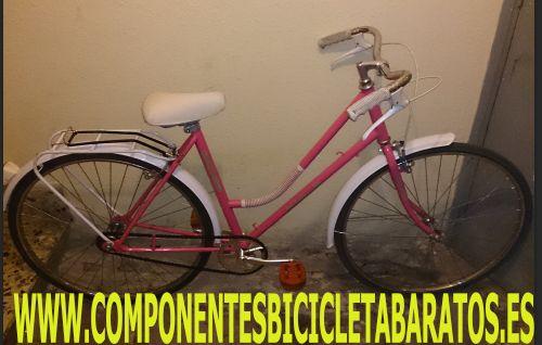 Bicicleta ORBEA de color rosa con cuadro de paseo IMPECABLE, con las etiquetas de la tienda. Propiedad de componentes bicicleta baratos en Zaragoza.