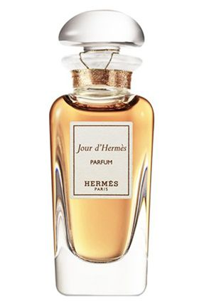 Jour d`Hermès, fragrance opens with rich, delicious notes of apricot blossom & then warms to an abundance of petals with gardenia, jasmine & soft floral notes.