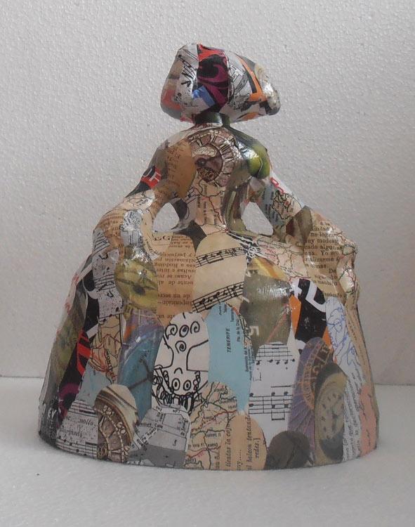 """MENINA """"SYMBOL"""" - ESCULTURA MODERNA Escultura moderna de Menina de C.Codoñer, realizada con técnicas y motivos actuales.  Verdaderas obras de arte .   Material: Escayola reforzada con espuma de poliuretano.  Dimensiones: 22 x 19 cm. Téc mixta. Esculturas figurativas realizadas a mano"""