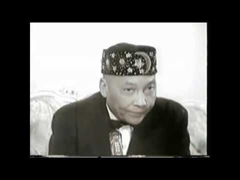 An Interview with The Honorable Elijah Muhammad & Saviour's Day 1973 |  sheikhmo | Pinterest