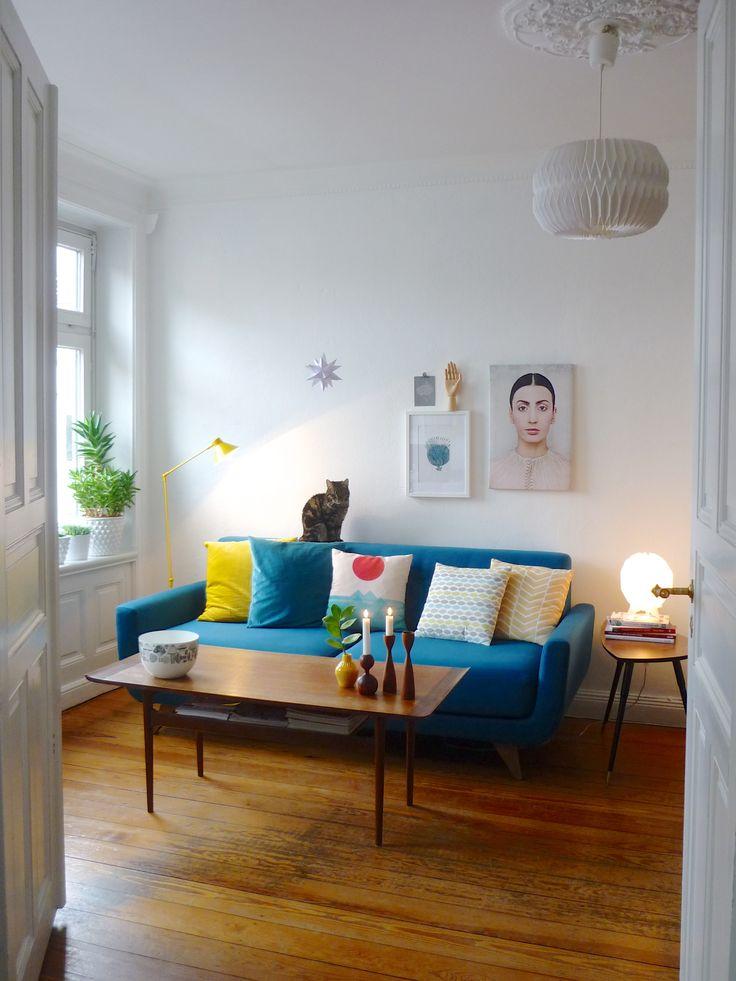 Wenn Meise und Miau, Gelb und Blau und Alt und Neu untrennbar zusammengehören sind wir zu Besuch in Hamburg: Bei Sandra Maria aka MiMaMeise, die mit Freund Tom und den Miezen Jenne, Mia und Molle
