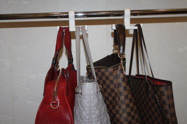 хранение сумок в шкаф купе вешалки для