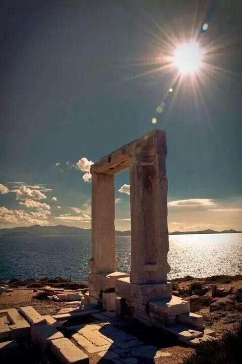 Sun. Sea. Naxos.