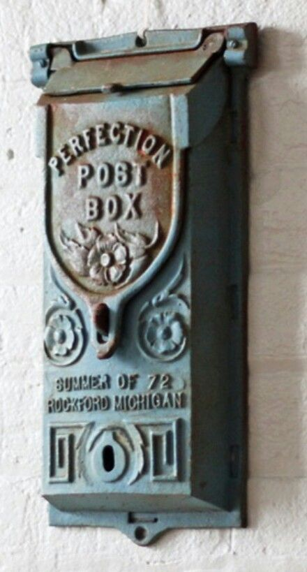 Antique Mail Box . I LOVE them !!!