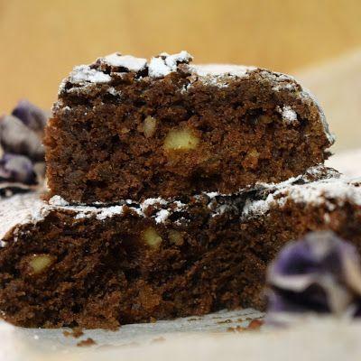 Brownie de chocolate, nueces y canela.