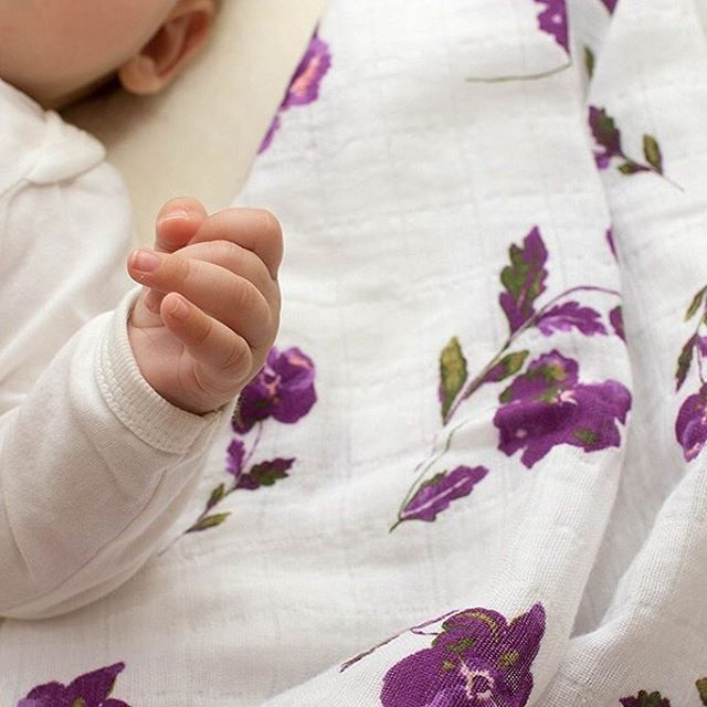 Our muslin swaddles are all made from gorgeously soft muslin with an open, breathable weave - which means they are perfect for snuggling, cuddling and swaddling. 😍💞 Check out our full range of swaddle blankets #linkinbio  #Regram via @margauxandmay