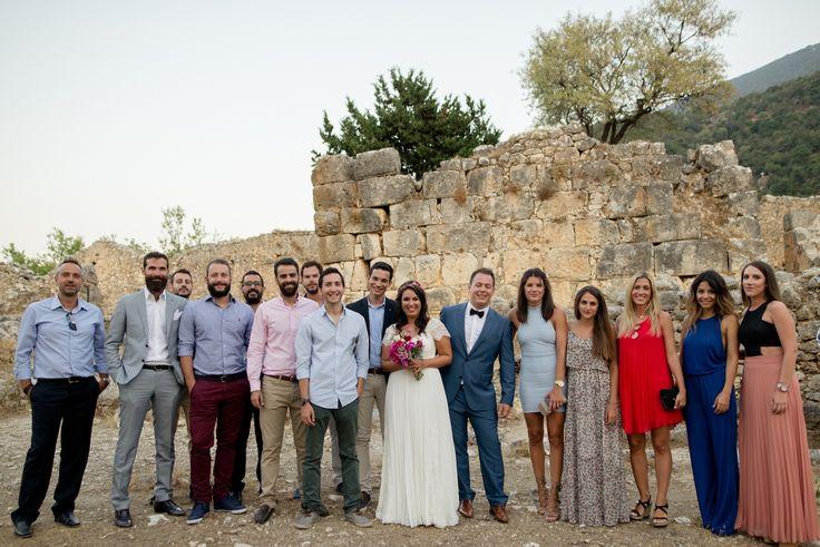 Bougainvillea Wedding | lafete / friends / happiness / love