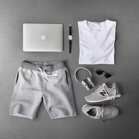 Look Monocromático, Bermuda de Moletom, Bermuda Moletom masculina, Camiseta Branca Lisa, Looks Masculinos com New Balance, pra inspirar! Combo Moda Masculina, Moda Masculina, Grid, Men Style,