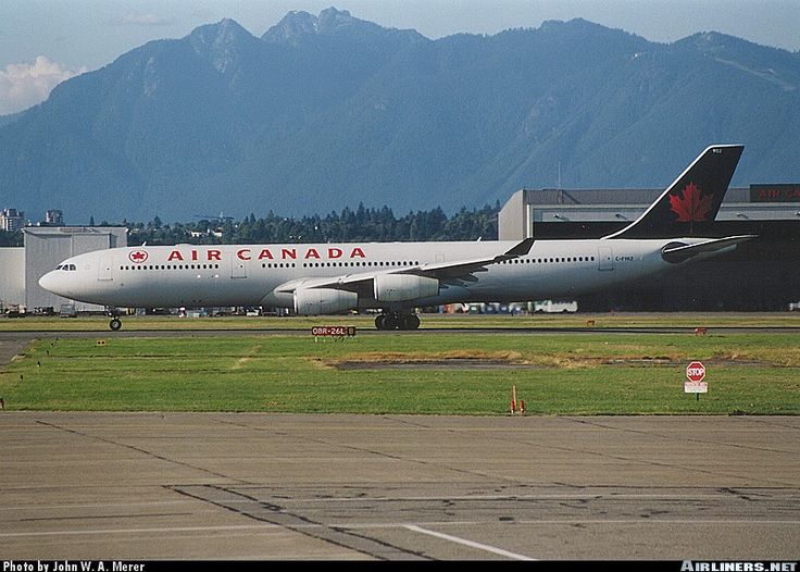 Airbus A340-313, Air Canada, C-FYKZ, cn 154, first flight 29.11.1996, Air Canada delivered 19.12.1996. Foto: Vancouver, Canada, 2.8.2000.