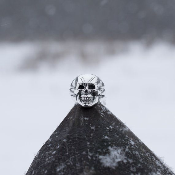Imperious Skull ring by ElionDesign.etsy.com
