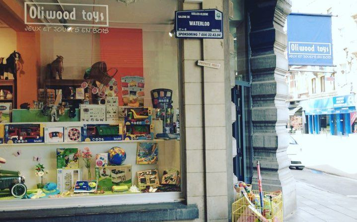 """Translated from @gomarjo travel guide """"Brussels with children"""": """"Oli Wood Toys is a very fun toy store around the corner of the Plaine de Jeux Renier Chalon. Here you can choose fun toys to take to the park or even home."""" . . . You can get this and many more spots in a personalized guide made specially for you. Check out the link in the bio! . . . #followme #brussels #belgium #cool #nice #awesome #digitalnomad #travelkids #travelwithkids#traveling #travel #travelling #stunning #shop…"""