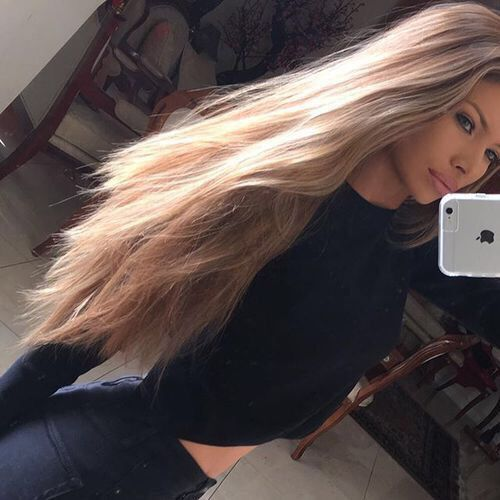 HAIR GOALS | LONG BRONDE HAIR WITH NATURAL TEXTURE | For more inspo visit www.dontsweatthestewardess.com #blonde #longhairdontcare
