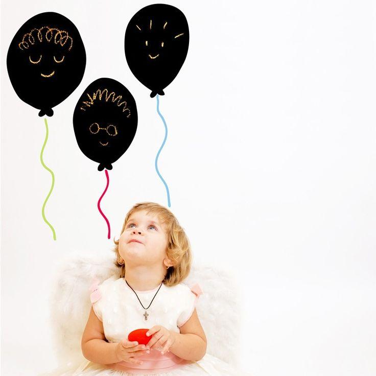 Igual que los globos, así vuela su imaginación :D Vinilos decorativos para niños Chispum.