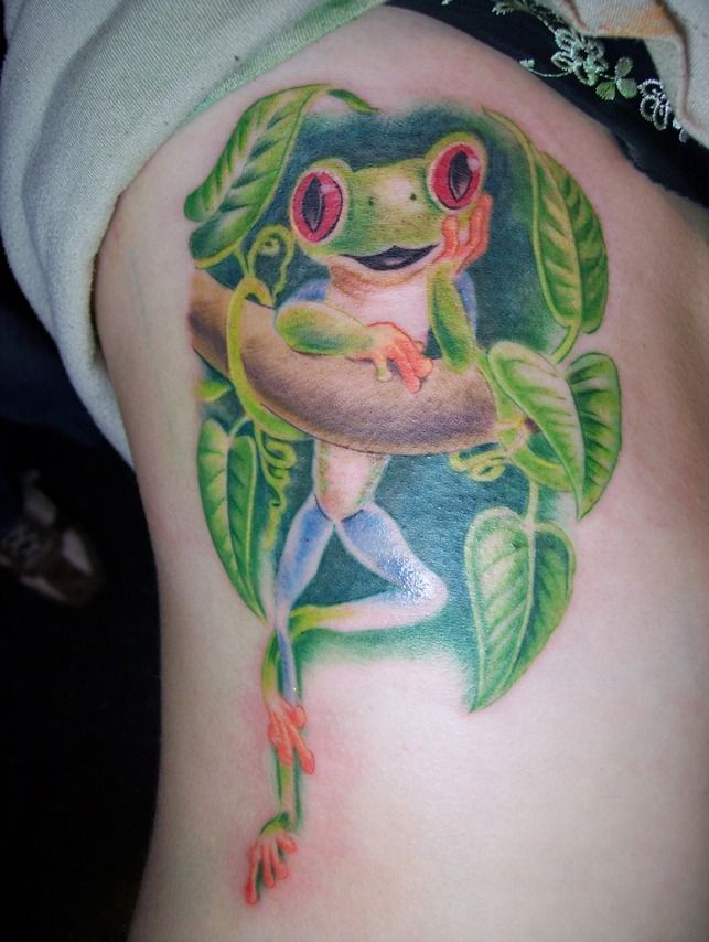 tree frog in a hibiscus flower tattoos red eyed tree frog with vine tattoo on rib. Black Bedroom Furniture Sets. Home Design Ideas