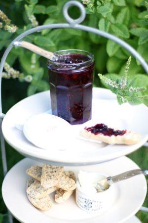 Vinbärsmarmelad med citrus & vanilj