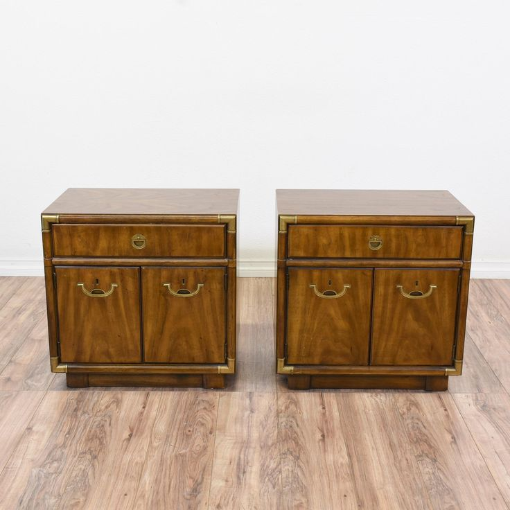 This Pair Of Quot Drexel Heritage Quot Nightstands Are Featured In