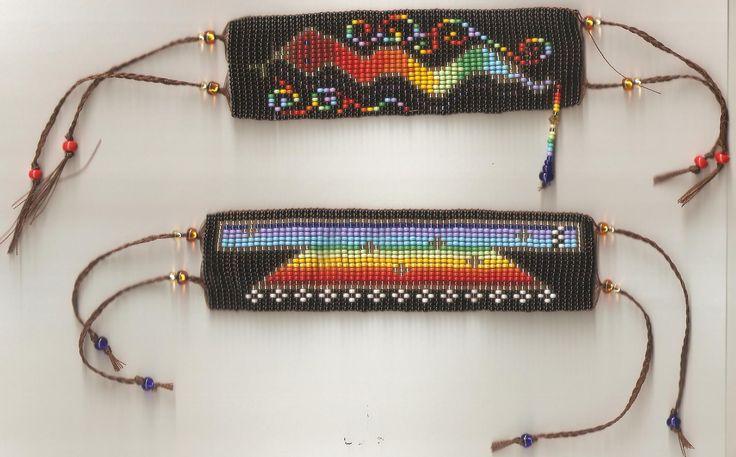 Ventana Celeste y Serpiente Arco Iris Pulceras-Manillas en mostacillas http://patyndianaebuluk.wix.com/libelulaplanetarte#!obras-de-la-libelula/c16oh