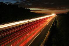 Photo de nuit sur l'autoroute A1