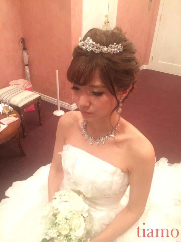 ティアラから花かんむりへ♡ゆる編み2スタイルご新婦様  大人可愛いブライダルヘアメイク『tiamo』の結婚カタログ