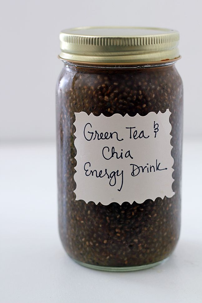Ingredients 8 – 10 ounces filtered water 1 bag green tea 1 – 2 tablespoons chia seeds Bring water to a boil. Let tea steep 3 – 5 minutes, then remove tea bag. Add chia seeds and mix thoroughly. Leave tea/chia seed mixture in the fridge for about an hour to cool. Shake, drink, & work out!