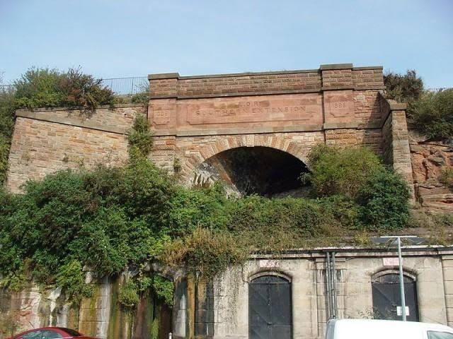abandoned-dingle-tunnel-mouth-liverpool-overhead-railway