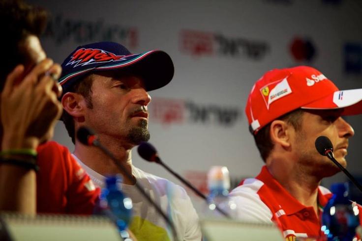 SuisseGas, sponsor della Ferrari F458 che partecipa al Ferrari Challenge Trofeo Pirelli 2013, ringrazia i piloti Antonio Fuoco, Daniel Mancinelli e Giancarlo Fisichella, la Scuderia Ferrari e il team di Kaspersky Lab. — presso Gerusalemme. Nella foto: Max Biaggi.